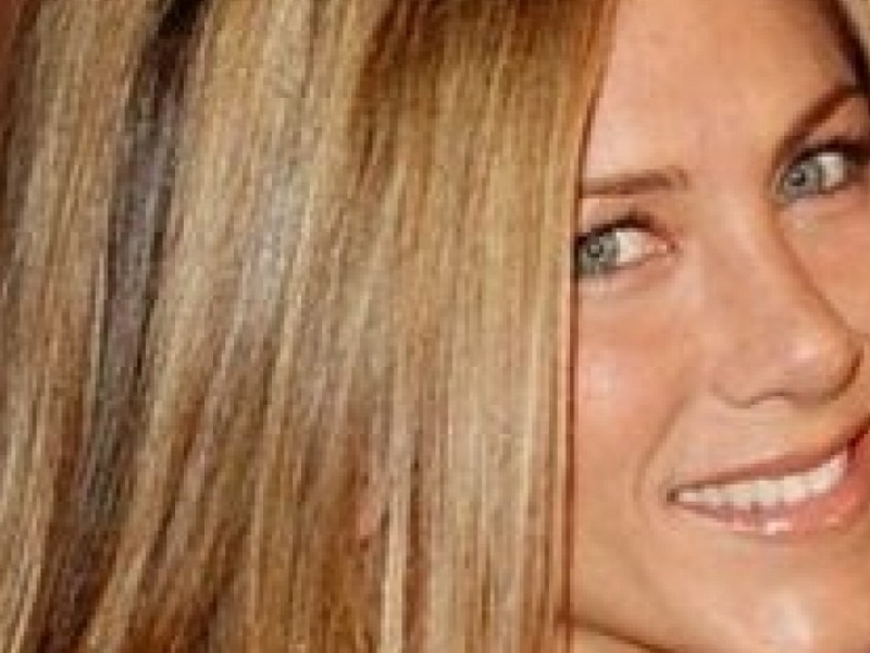 Jennifer Aniston sets the record straight