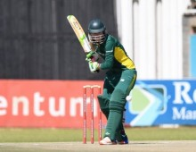 Steyn blasts Proteas women to huge win