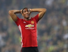 Mourinho issues warning to Martial