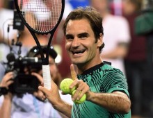 Federer and Wawrinka set up all-Swiss showdown