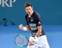 Raonic and Wawrinka through to Brisbane semis