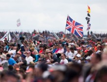 Ecclestone: Silverstone should stop complaining