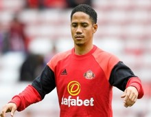 Pienaar stalls on Premiership return