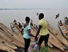 Menstruating school girls banned from crossing river in Ghana